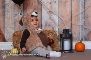 Halloween Photography Backdrops for your next mini session. Order online at www.backdropscanada.ca #madeincanada #halloween #minisession #backdrop #costume #woodbackdrop