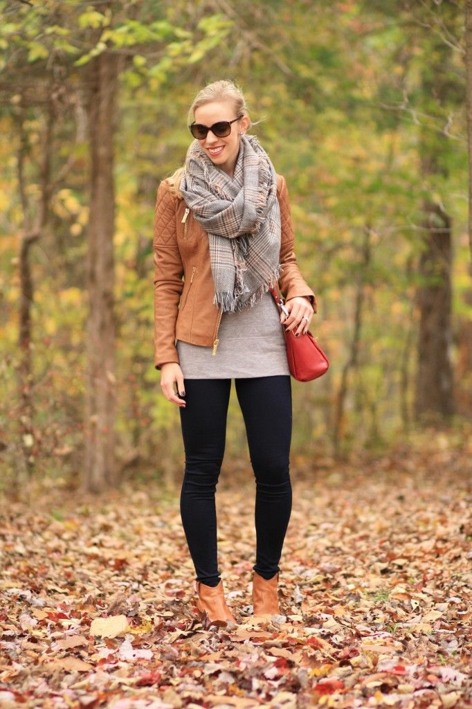 camel brown leather jacket, quilted leather jacket, brown plaid blanket scarf, oversized scarf, 7FAM legging denim, Frye 'Reina' bootie, camel leather ankle boots, fall outfit with leather jacket and scarf