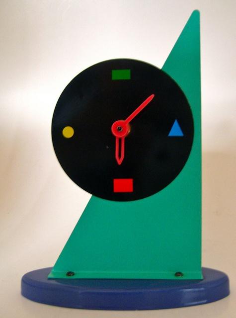 Memphis style clock by Hopelevich Hopelitchka