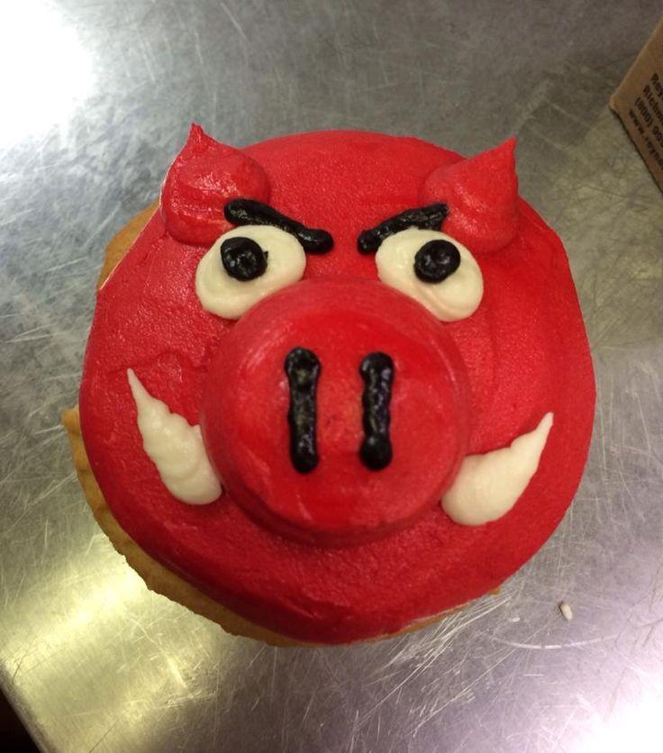 Arkansas Razorback cupcake