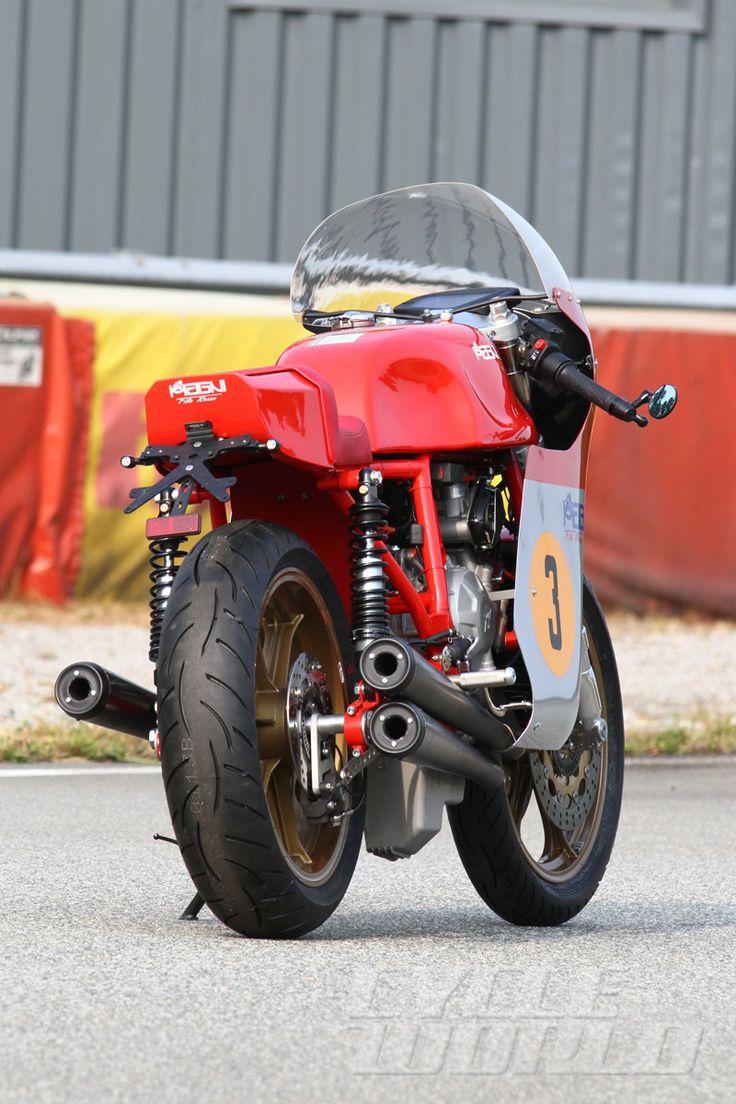 2015 Magni Filorosso static rear view