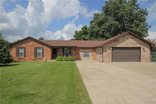 Under Contract 777 Helton Dr Clarksville Tn 37042