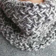 Scaldacollo o sciarpa a maglia: tutorial fotografico del punto | Amore Di Zìa