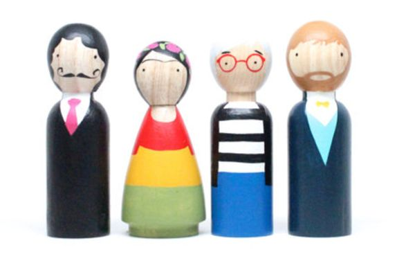 The perfect inspiration for your young artist. The Modern Artists peg doll set includes Salvador Dalí, Frida Kahlo, Andy Warhol, and Vincent Van Gogh. Great for