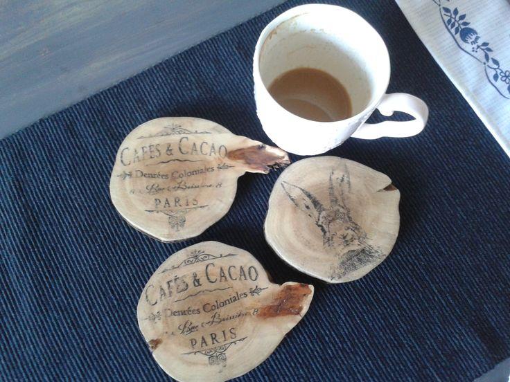 wooden pads   http://mebelkidanielki.blogspot.com/2015/09/may-stoeczek-oraz-kolejne-podkadki.html
