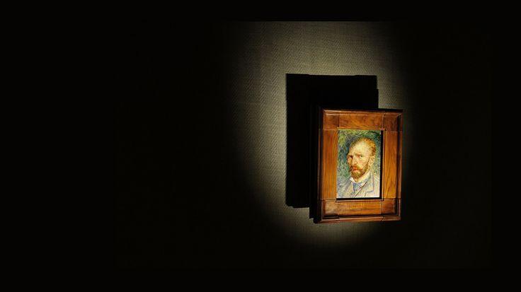 """Tosetto ha realizzato un allestimento con strutture di supporto per i dipinti rivestite di tela grezza e juta, quella stessa """"tela gialla"""" molto economica su cui Van Gogh dipingeva per contenere le spese http://tosettoallestimenti.com/mostra-van-gogh-milano/"""