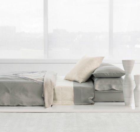 17 best images about calvin klein bedding on pinterest for Calvin klein jardin collection