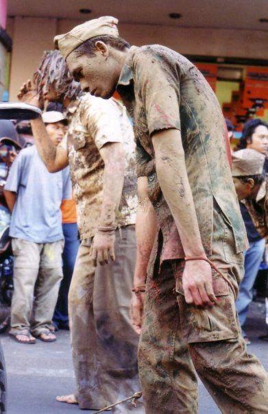 """Hunting """" teatrikal """" di Jalan Malioboro, Yogyakarta"""