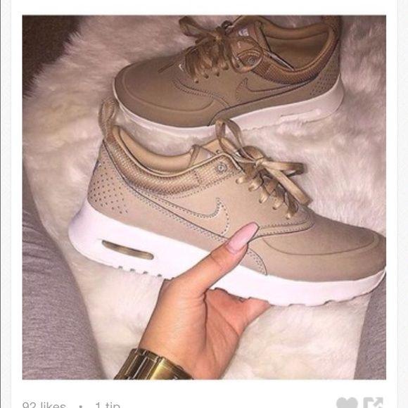 Nike Thea Or