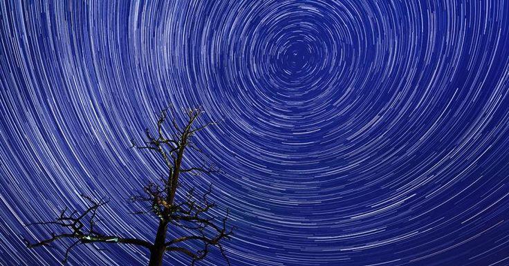 Yökuvaus – näin saat huikeita valokuvia yöllisestä taivaasta