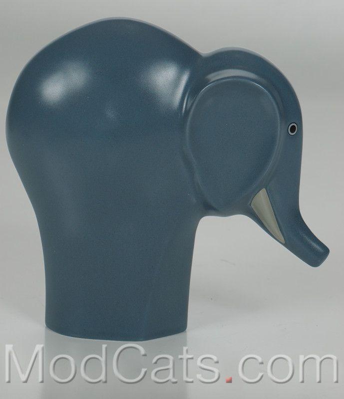 Arabia Howard Smith � Runfree Selma Elephant