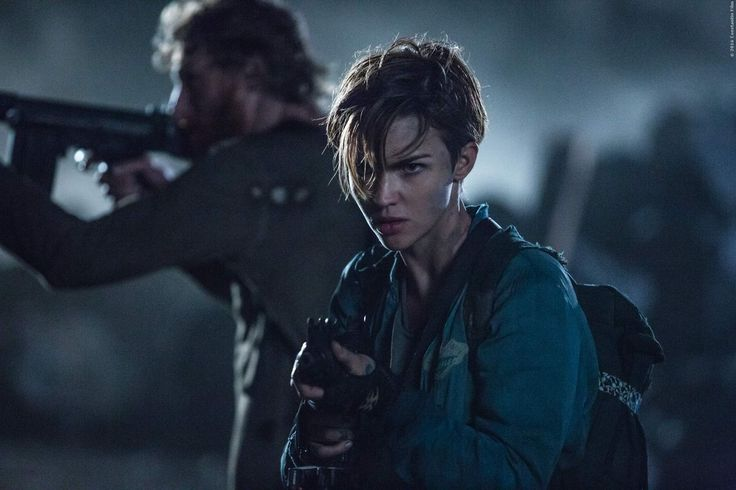 Ruby Rose Resident Evil The Final Chapter Wallpaper 11863: VIDEO: Eine Dieser Frauen Baut Alle Waffen In Resident Evil 6