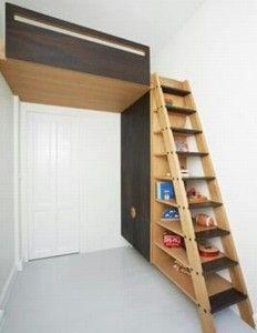 Biblioteczki pod schodami