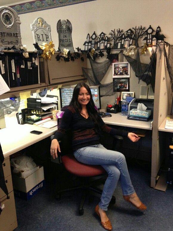 Sarah Christine (sarahcwhite1) on Pinterest - decorate cubicle for halloween