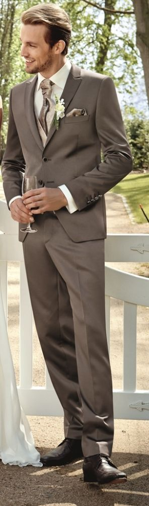 Hochzeitsanzug Greg von Wilvorst, in einem Brillantpiqué in der Farbe Zimt, Super-Slimline (Drop 8) – catbraun