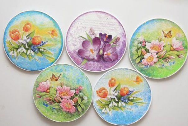 Decoupage sobre CDs. Recicla los viejos cds y con la técnica del decoupage transfórmalos en objetos decorativos para todo tu hogar....