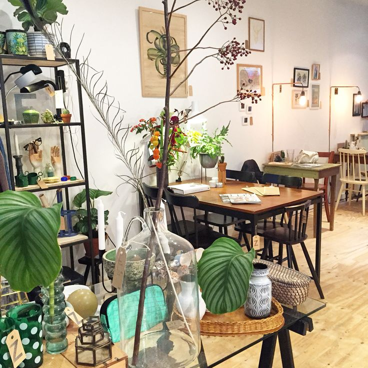Bar en Zo - Vintage, greenhouse, coffee corner, local products - Prins Hendrikstraat - Den Haag