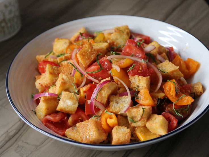 Get this all-star, easy-to-follow Classic Panzanella recipe from Valerie Bertinelli