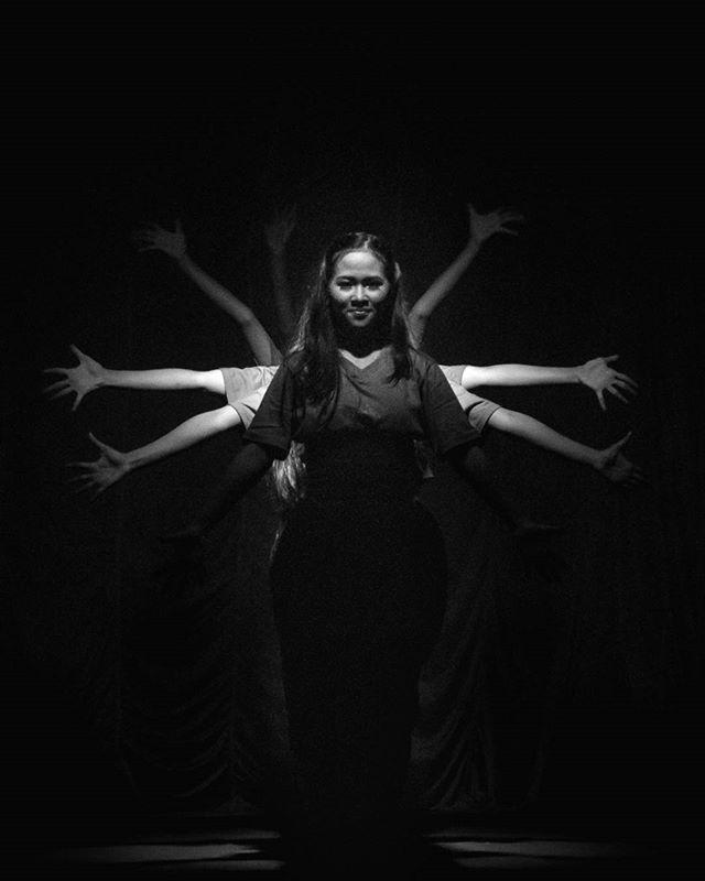 Dance the Light @gagepenariku #dance #pacitanculture #discoverpacitan #pacitanparadiseofjava #art #peopleinframey