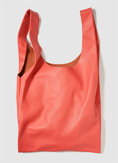 I won't buy one, but that doesn't stop me from wantint to. Bright leather bags from Baggu.: Baggu Sack, Style, Baggu Leather, Baggu Medium, Tote Bags, Leather Bags, Medium Leather, Baggu Bag, Baggu Coral
