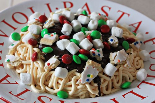 How to Make Buddy the Elf Spaghetti ~ Cupcakes, Frosting, Food Coloring, Pastry Bag, Mini Marshmallows, Pop Tarts, and M&Ms