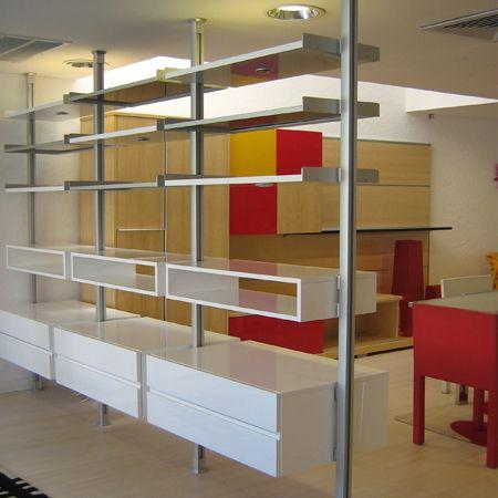 Sistema zyta modular de pilares y repisas en aluminio anodizado dise ado pa - Etagere suspendue cable plafond ...