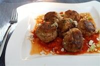 Tonijnballetjes in tomatensaus; vooral de 'gestoomde Thaise vis' van de website 'keukenschrift' is heerlijk!