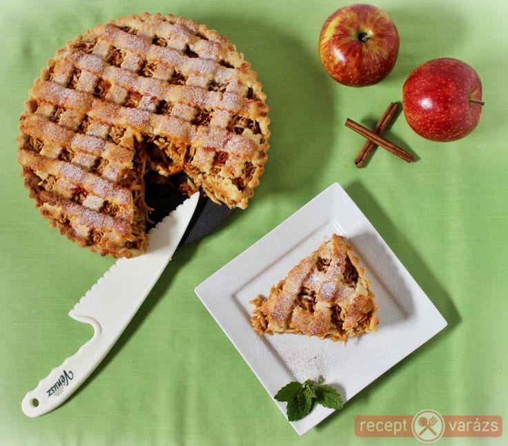 Omlós tészta, gazdag almás töltelékkel. Almás pite recept Készítsd el akár 2, vagy 12 főre, a Receptvarazs.hu ebben is segít!