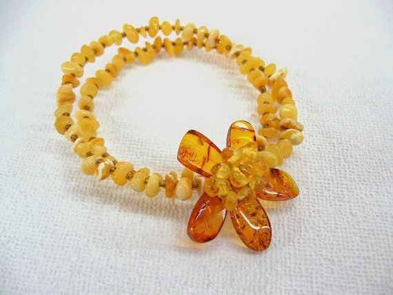 Sunny Yellow Baltic Amber Bracelet with beaded Flower by SanaGem