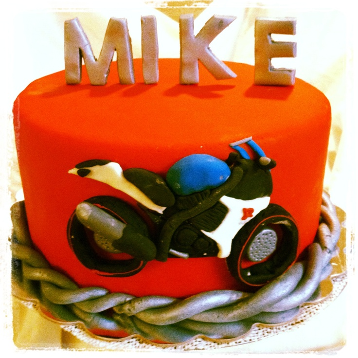 Motorcycle birthday cake I made for my boyfriend