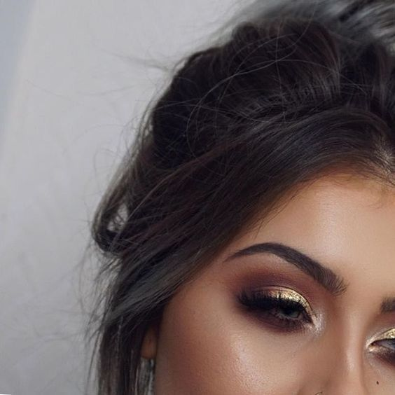 Gold eyeshadow