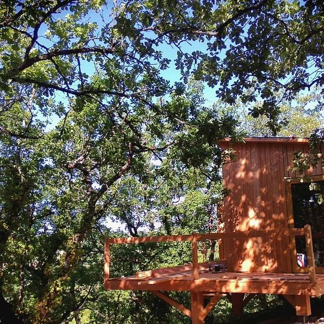 komorebi - rustic chic - cabane spa - glamping France - cabane spa Toulouse - glamping sud ouest - cabane design - cadeau original - nuit romatique - romantic night