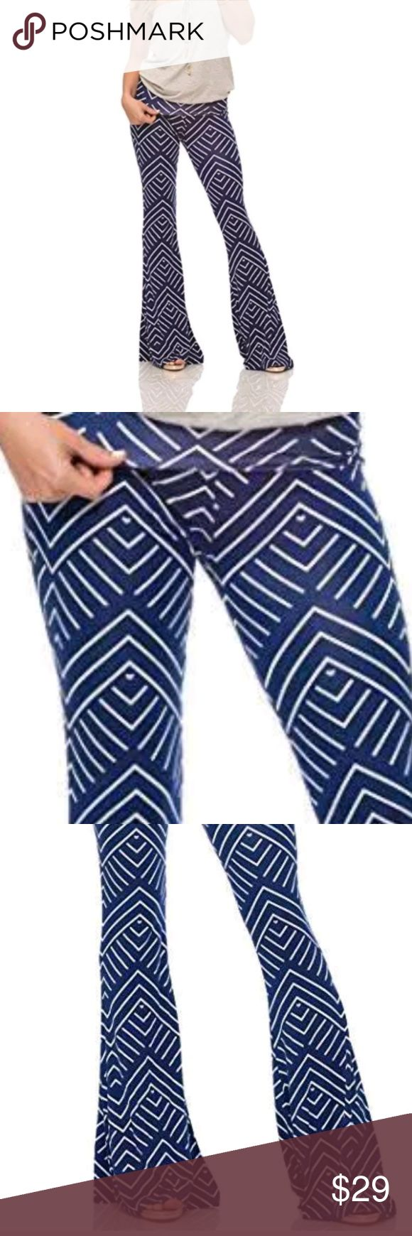 Macbeth Piazza Roll-Over Chevron Pants Navy Stripe Piazza Roll-over pants in a Navy blue and White Chevron Stripe print. Comfortable, stylish, with a great vintage look.  Macbeath Collection. Retails $60   SIZED SMALL Fits Sizes 5-8  SIZED XS Fits Sizes 0-4 Macbeth Collection Pants Leggings