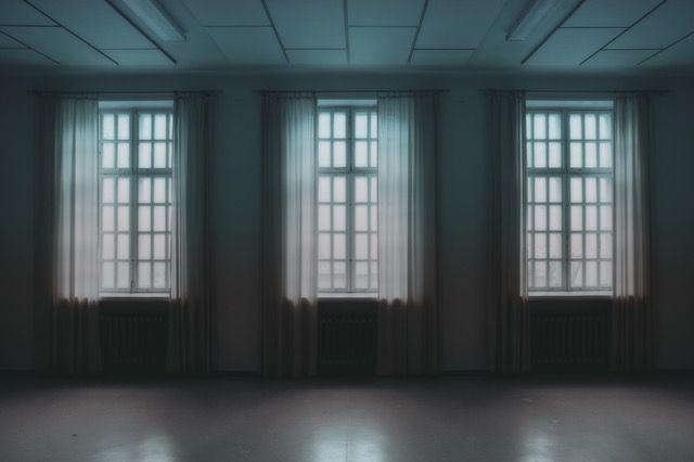 Um dieses Spiel in zwei Worten zu beschreiben, musst du zwei Schritte machen - Stark und Angst - #room #escape #wien | http://www.openthedoor.at/