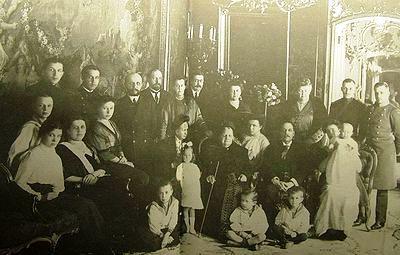 Семейство Мусиных-Пушкиных накануне войны. фотография Карла Буллы (1913 год)