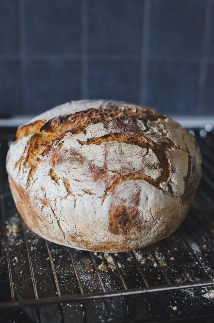 Bröd i gjutjärnsgryta (jäsning ca 1,5 h)