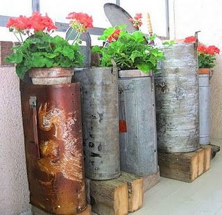 Old mailboxes as planters - ahh, love it! - For all the farmers who lose their mailboxes during harvest!  great idea.