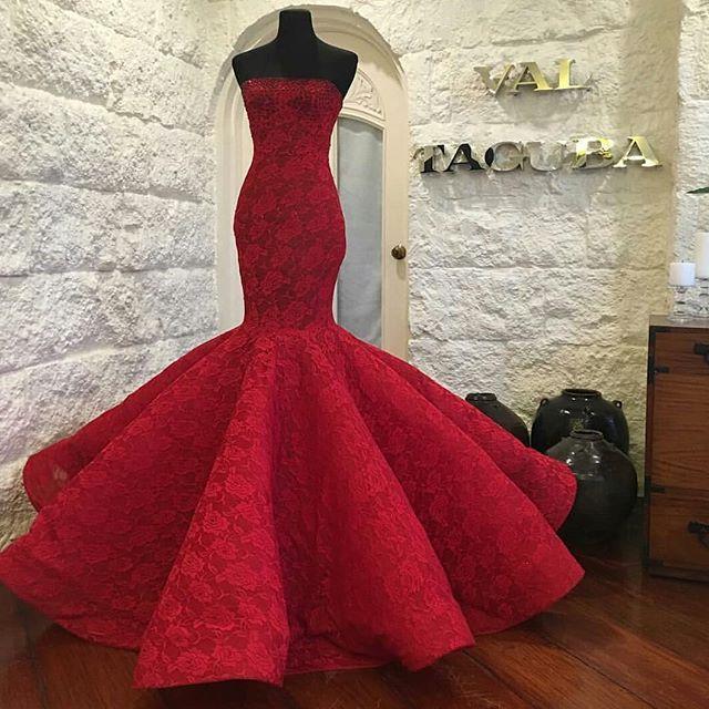 Gorgeous😍 . . 👉Follow @HAREMsCOUTURE 👉Follow @HAREMsCOUTURE💕 . . .👗Val Tacuba . . #fashion#beautiful#dress#instafashion#fashionista#fashionblogger#fashionable#dressoftheday#hautecouture#robe#happy#fashionlover#vestido#fashionpost#fashionaddict#brides#dressup#tbt#mode#luxury#love#model#style#girl#kleid#woman#shoes#luxury#like