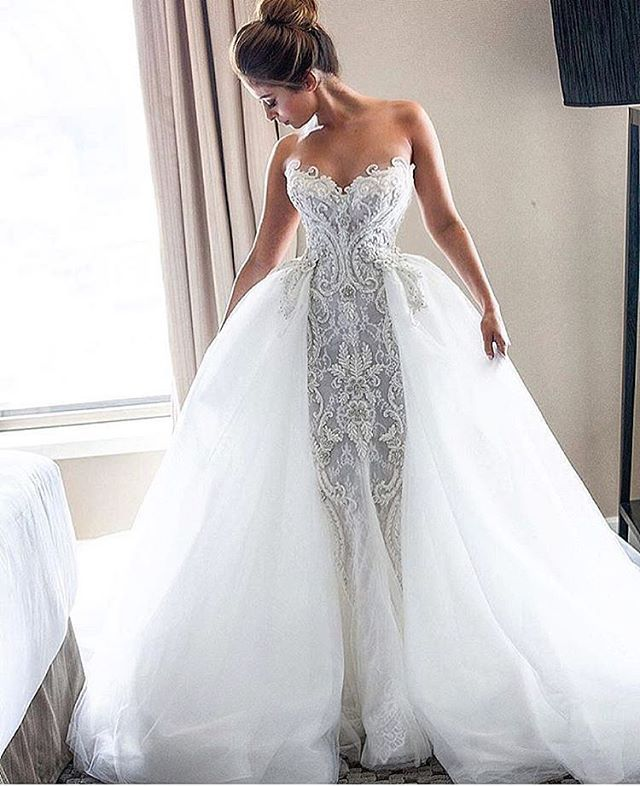 Fabulously glamorous wedding dress