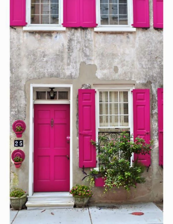 pink decor ideas, pink door and shutters