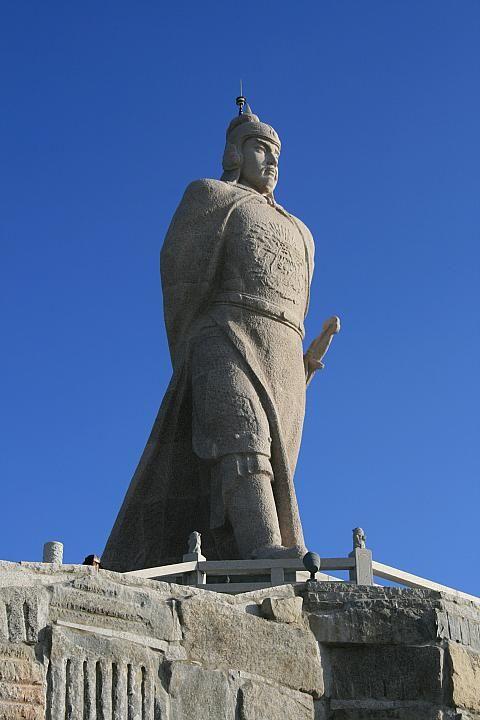 鄭成功の銅像、すぐそこにある中国を向いています。台湾おすすめの観光スポット、金門。