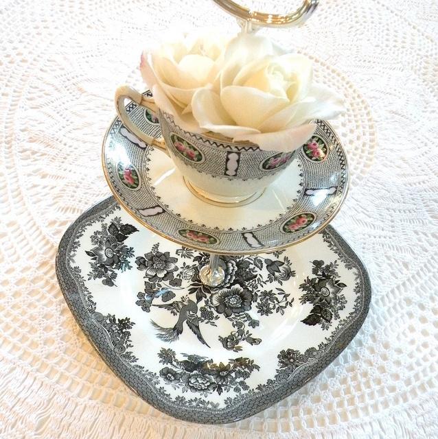 vintage_wedding_black_white_cake_stand_plate_dessert ...