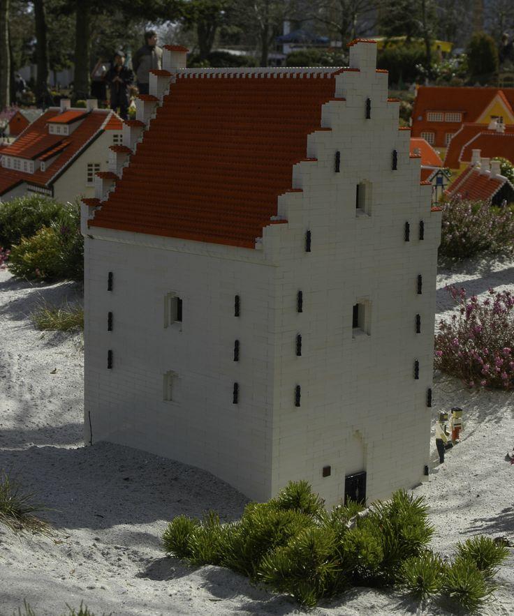 den tilsandede kirke, Legoland, Denmark