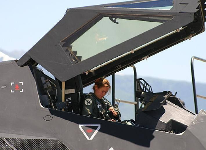 F 117 Female Pilot... I hope one day I can be like her :)