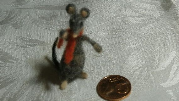 Needle felted mouse/rat miniature feltmouse feltrat mini animal sheepwool christmas gift! waldorf inspired mousehouse dollhouse 1:12