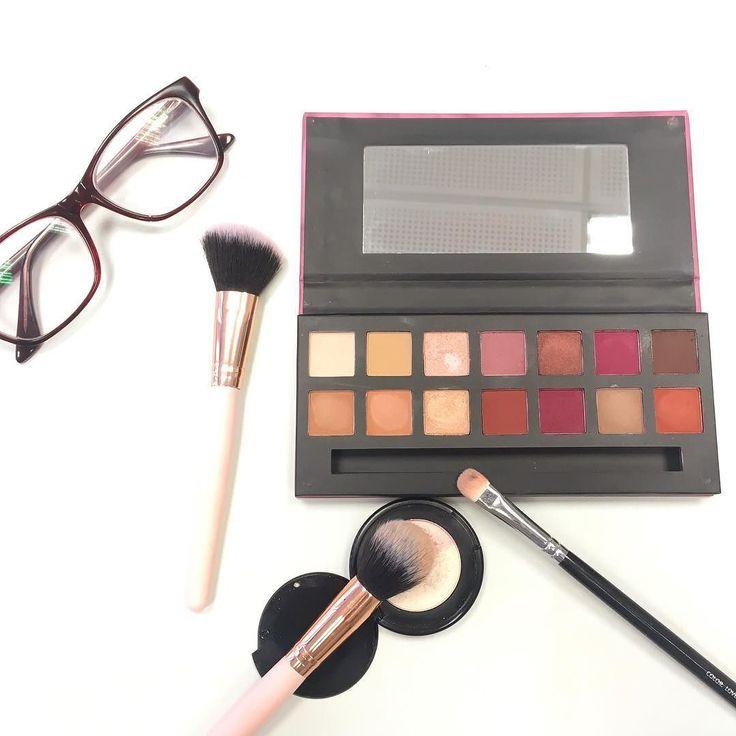 Nuevo Post en el blog  Swatches y makeup con la Delicious Natural & Berry de @w7makeupuk Os comentó si es o no un clon de la Modern Renaissance de Anastasia Beverly Hills Pasáis a dejar amor ? (odio comentarios likes lo que queráis!)  #w7 #deliciouspalette #makeup #eyeshadow #eyeshadowpalette #palette #eyeshadows #motd #makeupjunkie #makeupmafia #dupes #clones