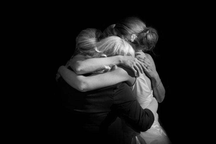 the power of a hugPhotos Ideas, Andy Stenz, Generation Photos, Bridal Parties, Bridesmaid Hug, Hug Photos, Moments, Faceless Hug, Priceless Photos