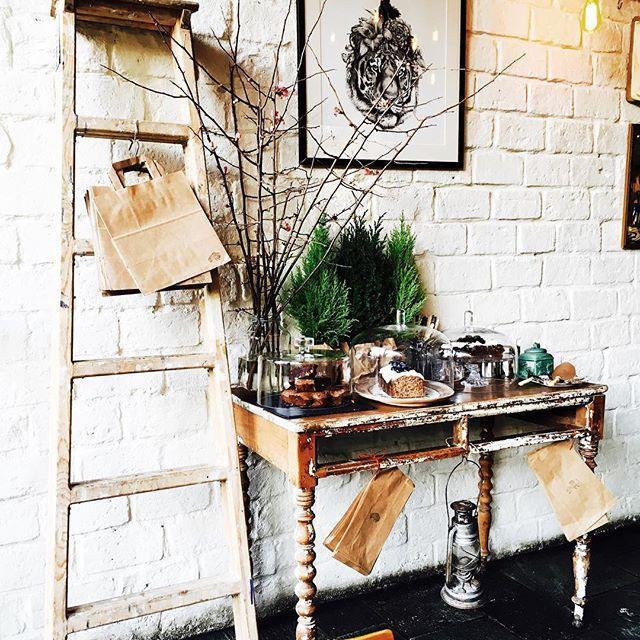 @differentbeastathens #local #saturdaywithfriends #coffeeandcake #instadecor #interiordesign #loveit #ohthatcake #beetrootcake #😋❤