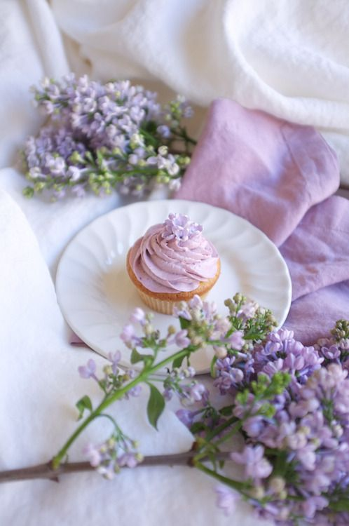 Blackberry cupcakes and lilacs go together so well!