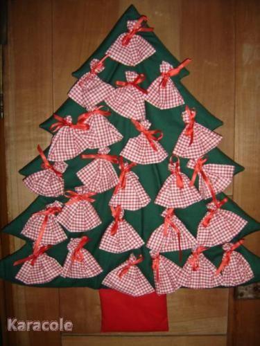 calendrier de l 39 avent couture tissu couture art du fil christmas pinterest calendrier. Black Bedroom Furniture Sets. Home Design Ideas